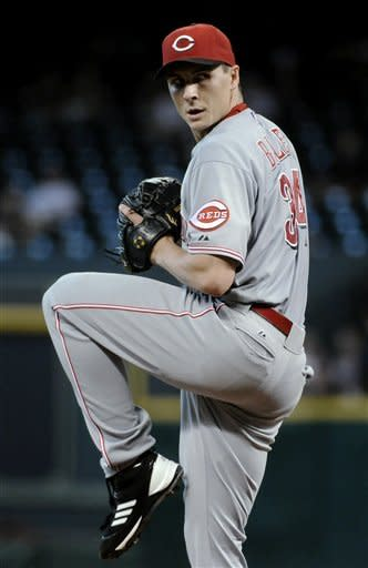 Stubbs, Reds rally in 9th for 7th straight win
