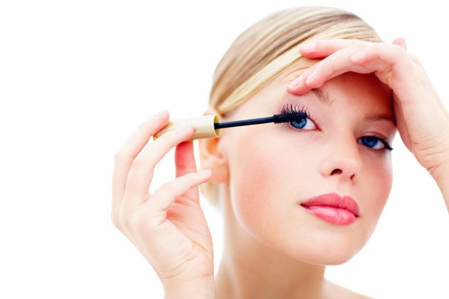 Macht Mascara Wimpern wirklich br&#xfc;chig? (Bild: thinkstock)