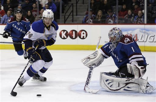 Jones lifts Avs to 1-0 win over Blues in OT