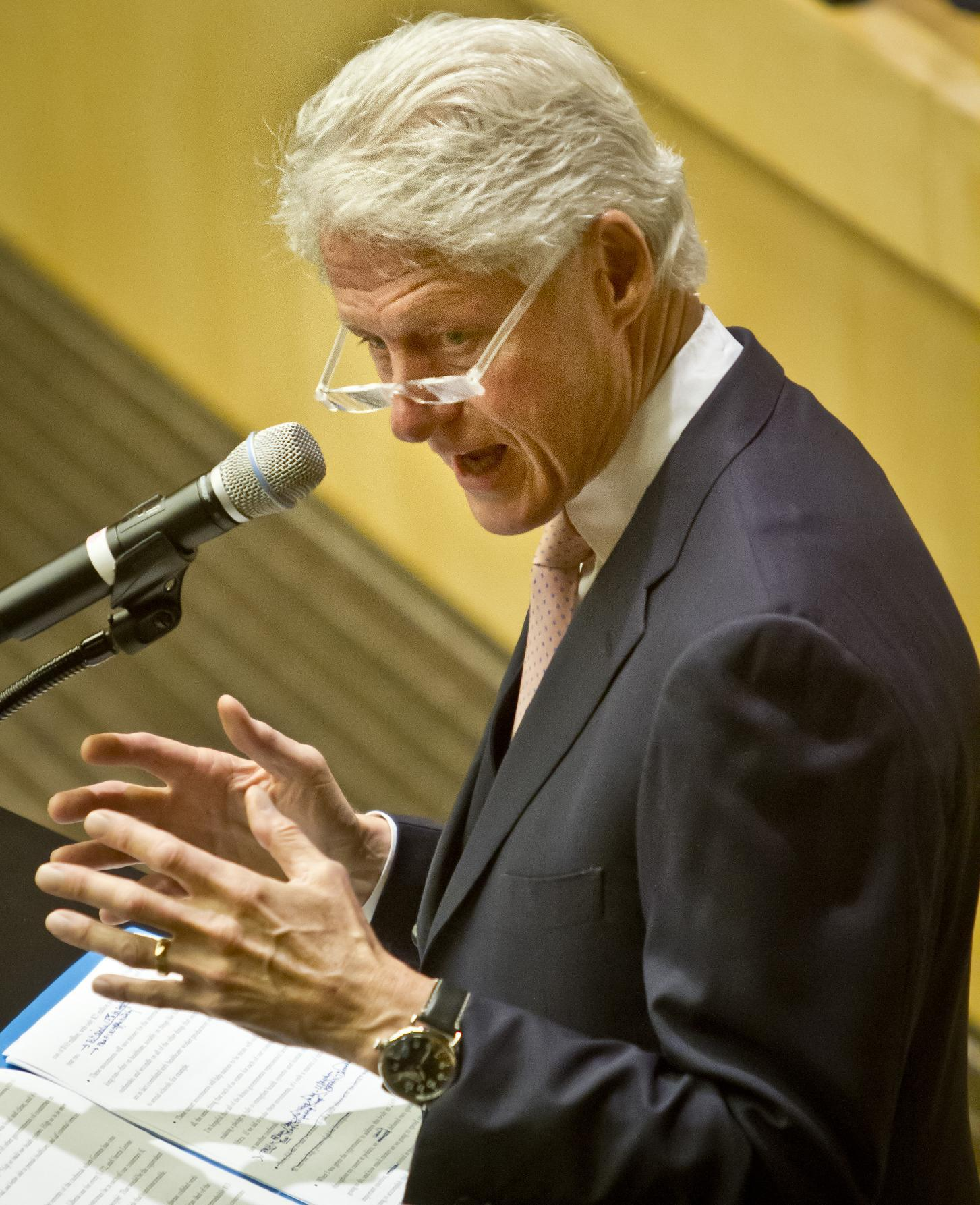 Bill Clinton hopes to keep working _ whatever Hillary does
