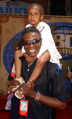 Premiere: Keith David and daughter at the Hollywood premiere of Walt Disney's Around the World in 80 Days - 6/13/2004