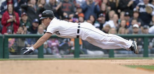 Cabrera and Fister help Tigers blank Twins 8-0
