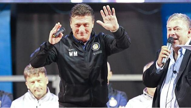 Serie A - Mazzarri expects Juve-Napoli battle