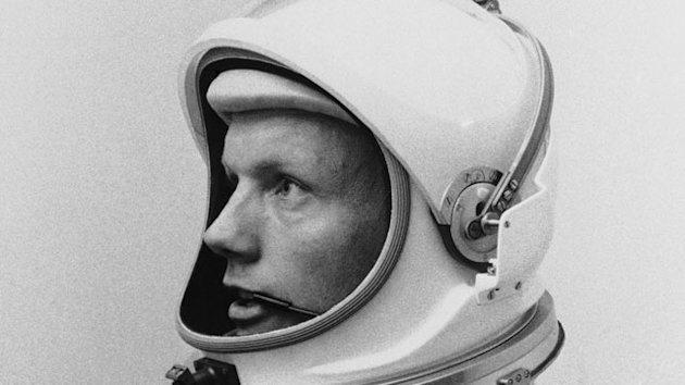 Neil Armstrong Remembered as Hero, an Image He Shunned (ABC News)