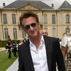 Sean Penn Blasts Sony For Pulling 'The Interview'