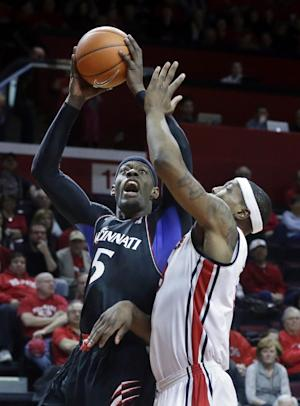 Kilpatrick has 24, No. 15 Cincinnati beats Rutgers