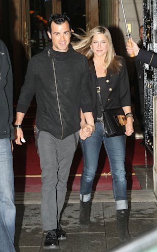 Jennifer Aniston 'Tearing Justin Theroux Romance Apart After Refusing New York Move'