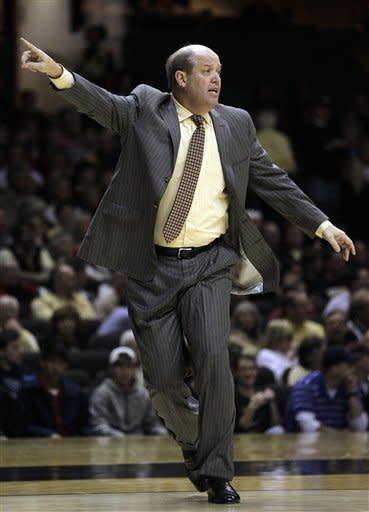 Vanderbilt wins 5th straight, routs Auburn 65-35