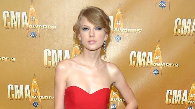Swift Taylor CMA Awards