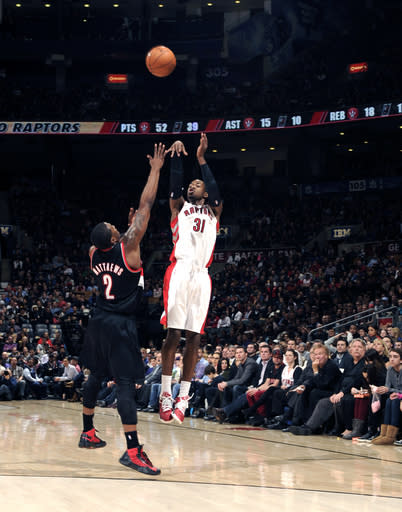Ross scores 26 points, Raptors beat Trail Blazers