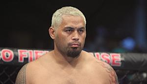Mark Hunt Facing Travel Delays Trying to Get to U.S. for UFC 160 Fight with JDS (Updated)