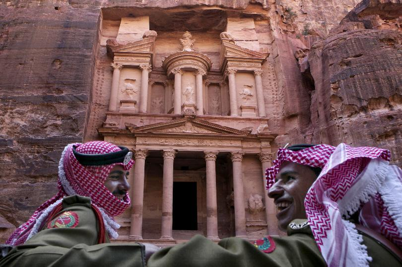 Ancient Petra sees few visitors as Jordan tourism declines