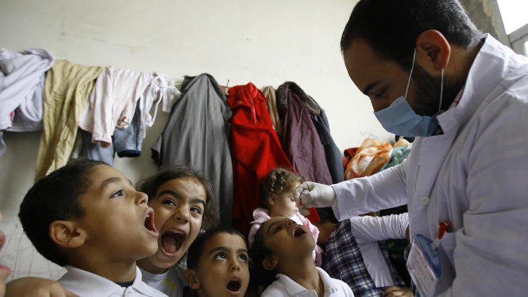 Syrian civil war prompts polio vaccination effort