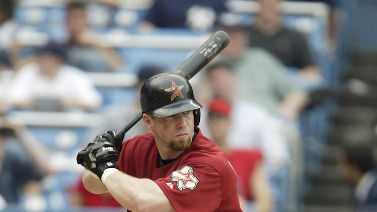 Bronx, NY - JUNE 12: Infielder Jeff Bagwell #5 of the Houston Astros at bat against the New York Yankees during the interleague game on June 12, 2003 at Yankee Stadium in Bronx, New York. The Yankees defeated the Astros 6-5. (Photo by Al Bello/Getty Images)