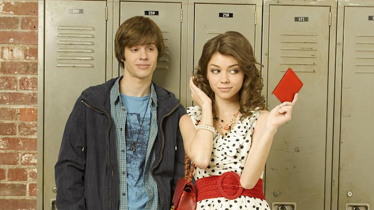 "Matt Prokop stars as Josh and Sarah Hyland stars as Dylan in ""Geek Charming."""