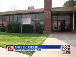 Hundreds of Oildale students get new shoes