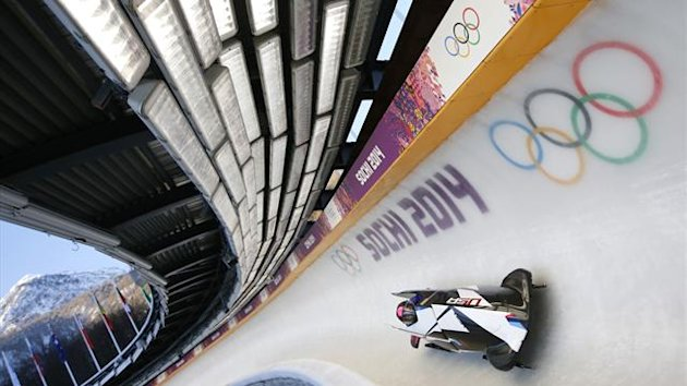 Two-women bobsleigh pilot Elana Meyers of the U.S. speeds down the track during unofficial progressive training at the Sanki Sliding Center in Rosa Khutor, a venue for the Sochi 2014 Winter Olympics near Sochi, February 6, 2014 (Reuters)