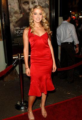Premiere: Amber Heard at the LA premiere of Warner Bros. Pictures' North Country - 10/10/2005