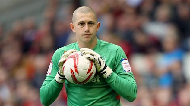 Frank Fielding has completed his undisclosed move to Ashton Gate