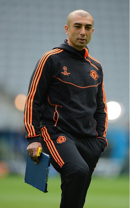 Chelsea's Italian Interim Manager Roberto Di Matteo Attending A Training Session For The UEFA Champions League Final AFP/Getty Images