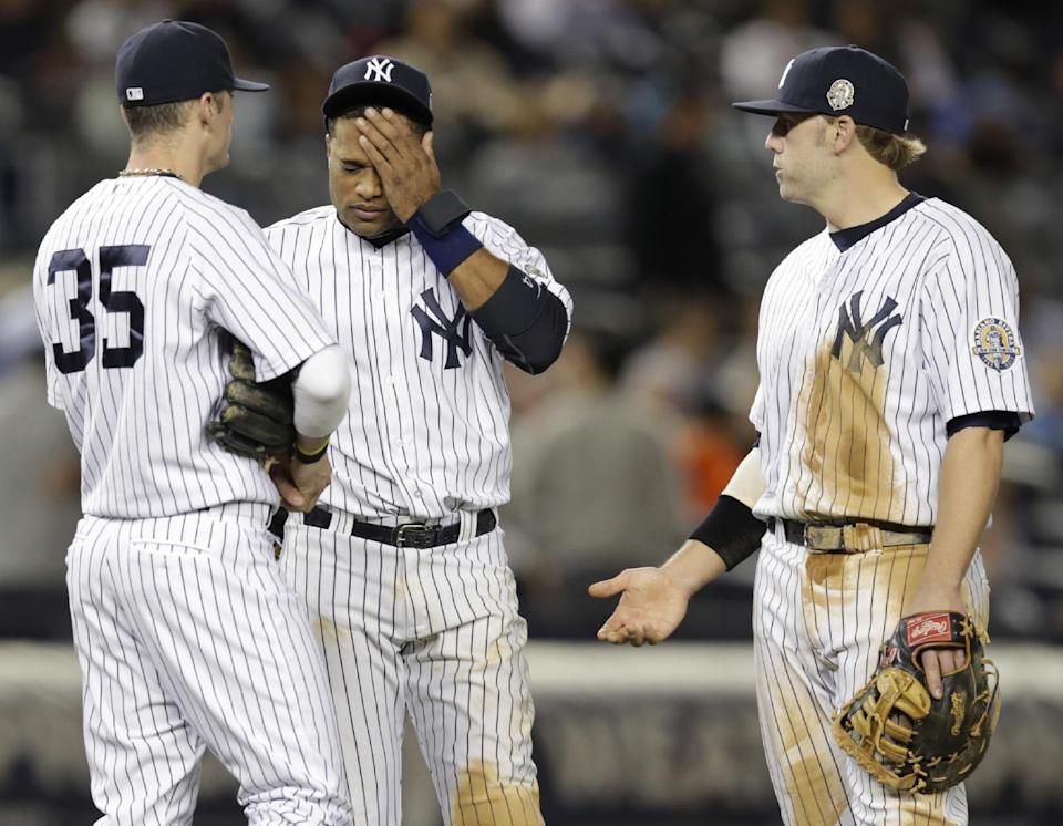 Yankees lose to Rays 8-3 and miss playoffs