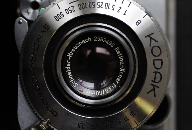 A Kodak Retina camera is seen in a photo store in London January 19, 2012.  Eastman Kodak Co, the photography icon that invented the hand-held camera and helped bring the world the first pictures from the moon, has filed for bankruptcy protection, capping a prolonged plunge for one of America's best-known companies. REUTERS/Stefan Wermuth