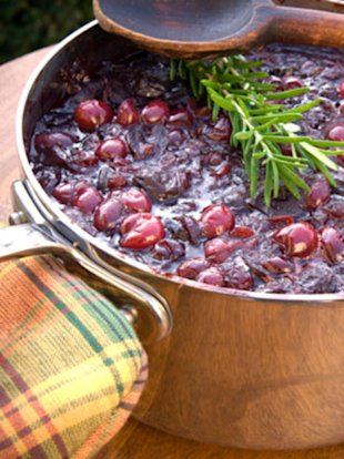 Homemade cranberry sauce trumps the canned stuff for flavor and nutrition.