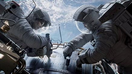 'Gravity' Movie Clips Show Sandra Bullock Drifting in Space
