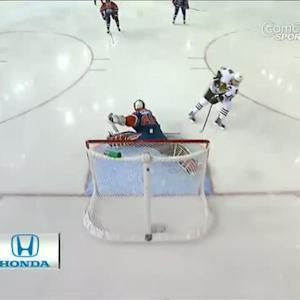 Jonathan Toews terrific shorthanded breakaway