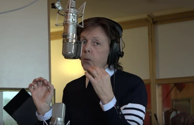 """In Crowning Achievement, Paul McCartney Records """"Love Mojis"""" For Skype"""