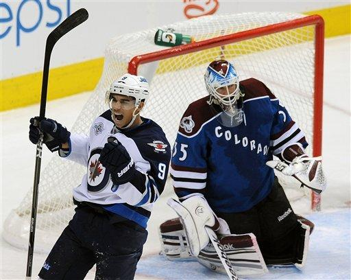 Kane's 2 goals lead Jets past Avalanche 4-1