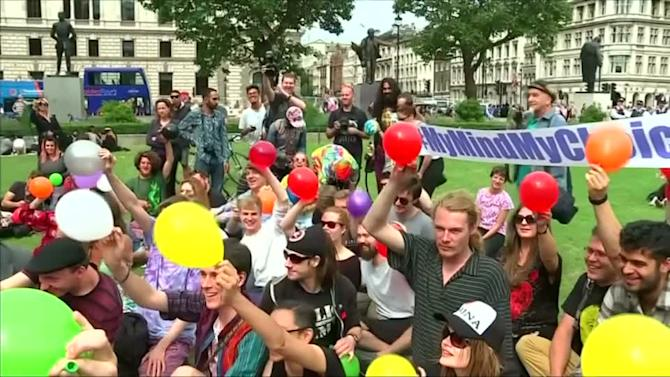 UK laughing gas ban plan no joke for protesters