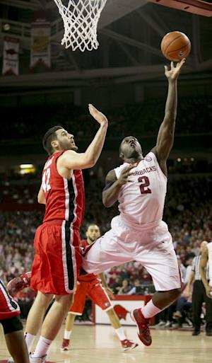 Clarke's 23 lift Arkansas past Georgia 87-75