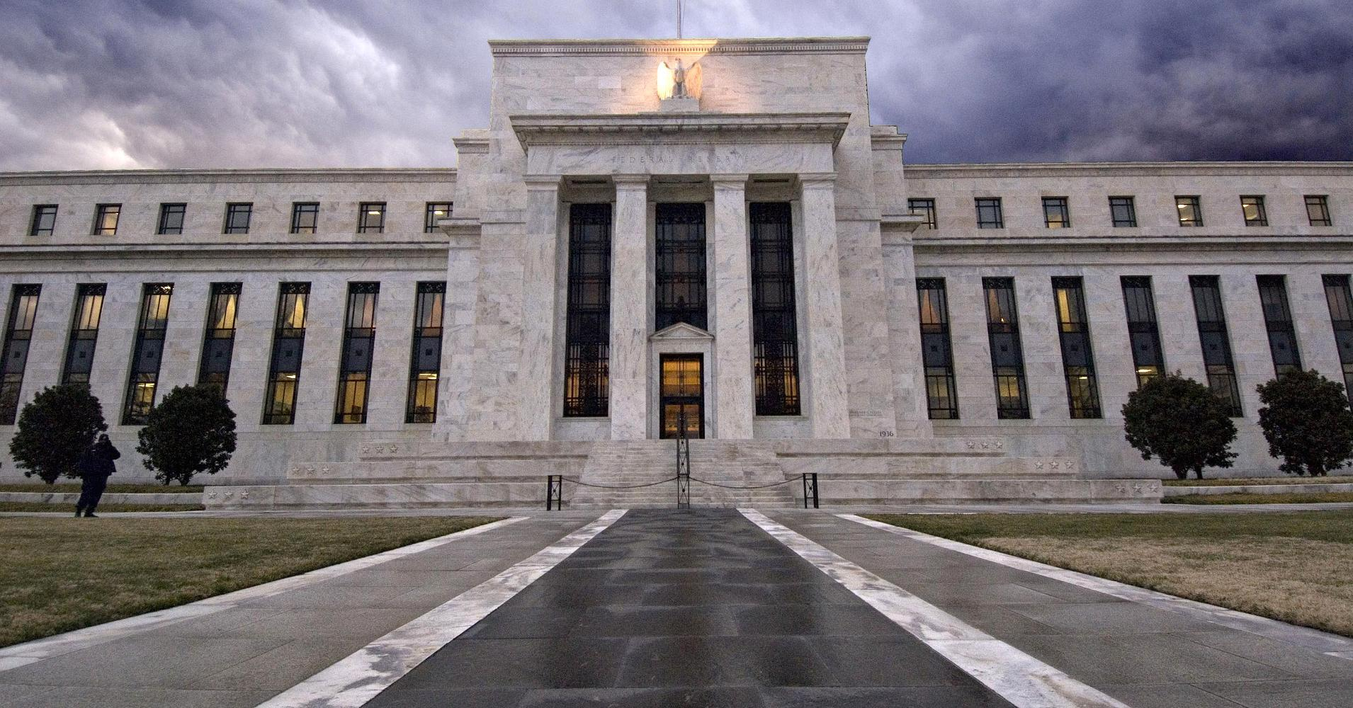 Economist says Fed policies could lead to disaster