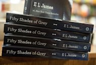 E.L. James'Cincuenta sombras' sigue atrapando lectores