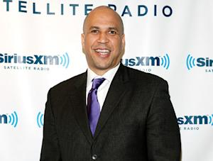 "Cory Booker Rescues Woman in Fire, Suffers ""Minor"" Injuries"
