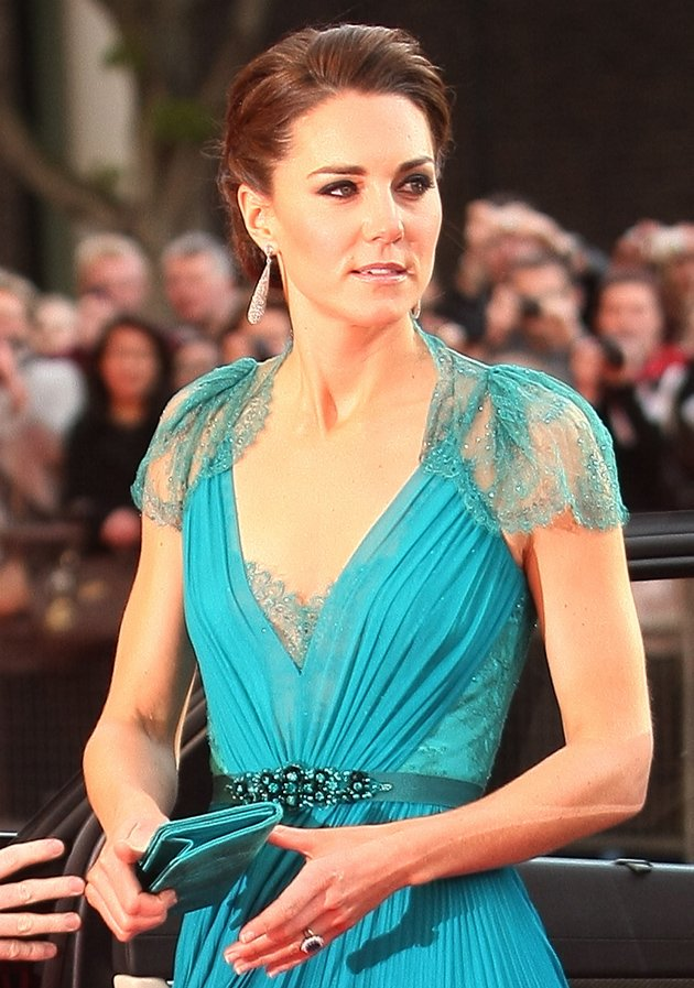Everything-is-ours: Kate Middleton steps out in best dress since ...