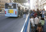 Roma, scritta &#39;onore al Duce&#39; su display bus: Atac avvia indagine