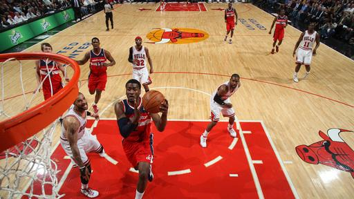 Seraphin, Wall get Wizards past short-handed Bulls