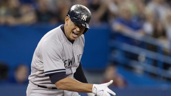Martin gets tiebreaking hit, Blue Jays beat Yankees 3-1