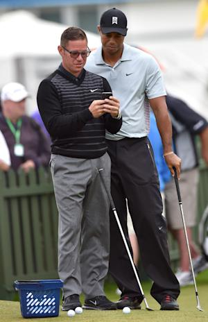 Golf - Tiger's better off without a coach, says Els