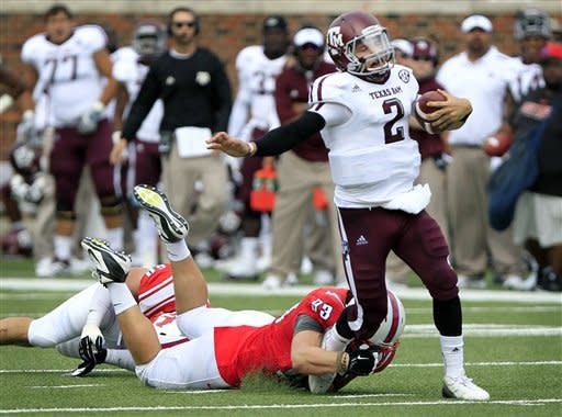 Manziel leads Texas A&M past SMU 48-3