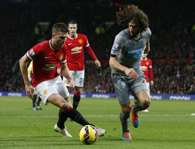 Carrick targets title for surging United