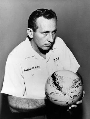 FILE - In this April 20, 1959, file photo, Don Carter poses with his bowling bowl at the American Bowling Congress Master's Tournament in St. Louis, Mo. The Professional Bowlers Association said Friday, Jan. 6, 2012, that Carter died at his home in Miami on Thursday night. He recently was hospitalized with pneumonia complicated by emphysema. He was 85. (AP Photo)