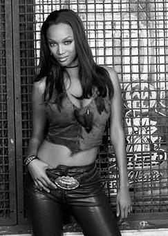 Tyra Banks as Zoe in Touchstone's Coyote Ugly