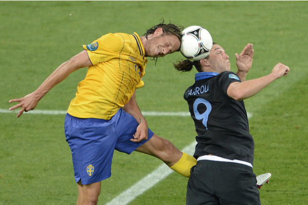Swedish Defender Jonas Olsson (L) Vies AFP/Getty Images