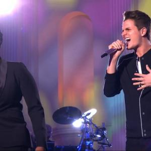 'American Idols' Duet with Contestants