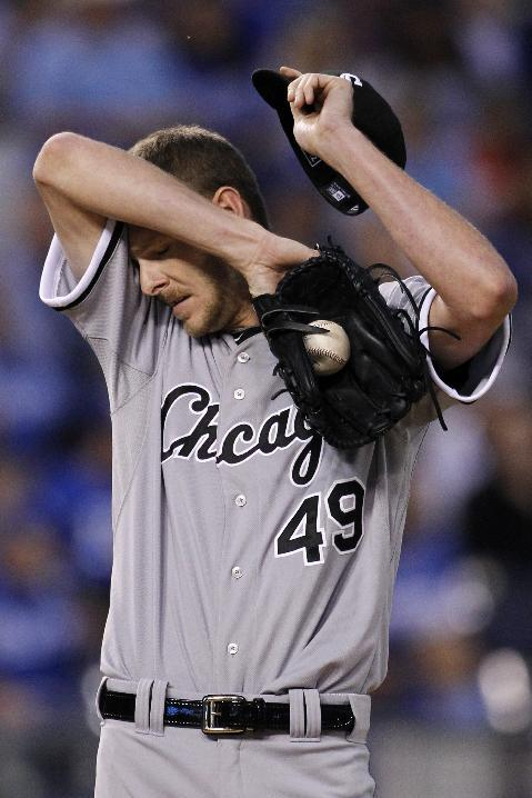 Cain, Aoki power Royals to 6-2 win over White Sox