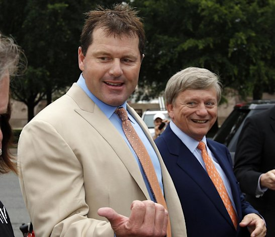 Former Major League Baseball pitcher Roger Clemens, left, with his attorney Rusty Hardin, arrives at federal court Monday, June 18, 2012. Clemens has been acquitted on all charges by a jury that decided he didn&#39;t lie to Congress when he denied using performance-enhancing drugs. . (AP Photo/Alex Brandon)
