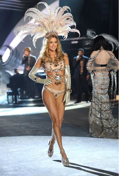 2012 Victoria's Secret Fashion …